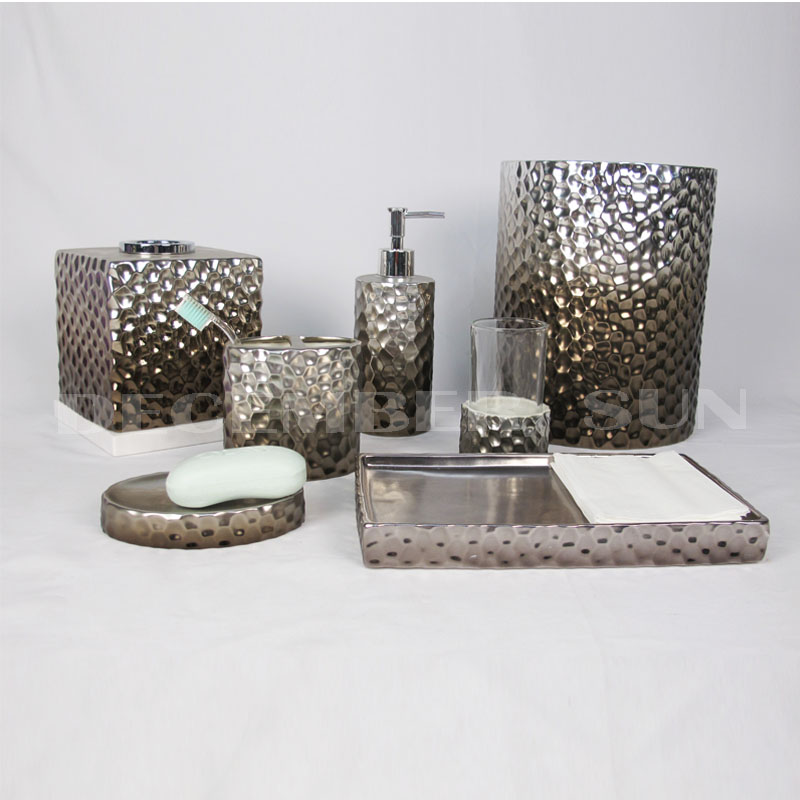 2019 Well selling ceramic bathroom accessory set